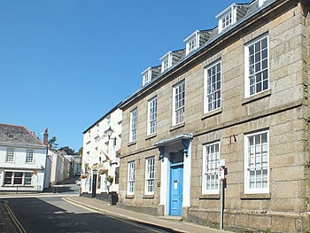 Edgcumbe House, Fore St, Lostwithiel