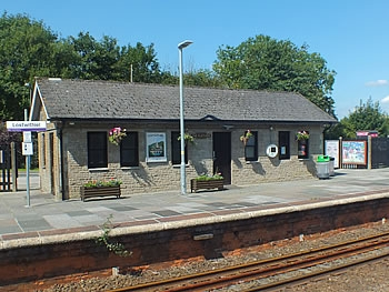 Photo Gallery Image - Lostwithiel Station Platform