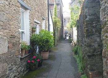 Narrow lane leading to the Guildhall