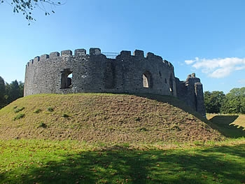 Photo Gallery Image - Restormel Castle