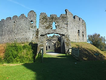 Photo Gallery Image - Restormel Castle Entrance